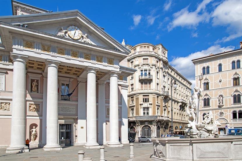 Piazza della Borsa a Trieste