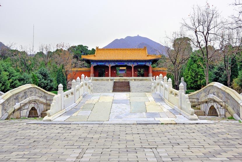 Tombe della Dinastia Ming 2