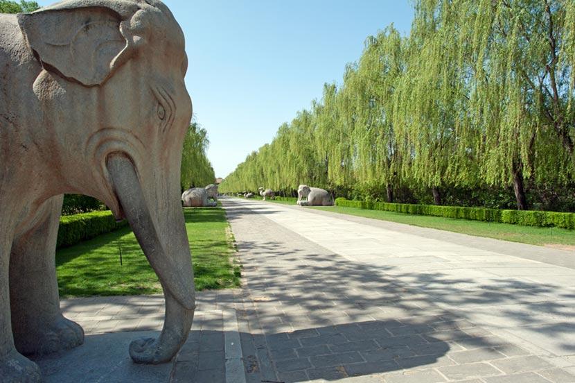 Via Sacra verso le Tombe della Dinastia Ming