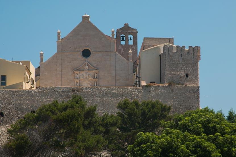 Abbazia Santa Maria Mare isola San Nicola Tremiti