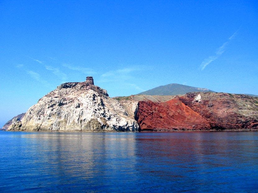 Cala Rossa Isola Capraia Isole Tremiti