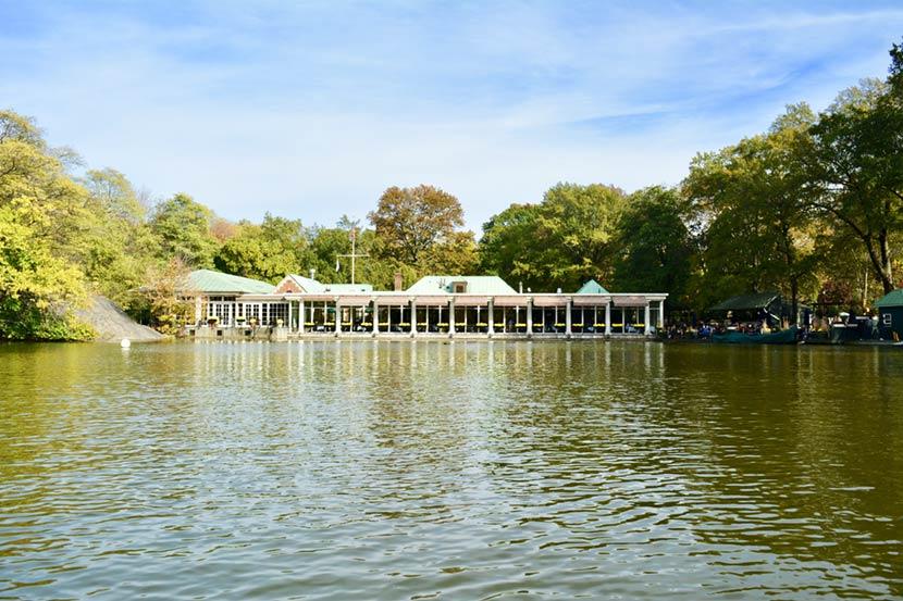 The Loeb boathouse a Central Park a New York