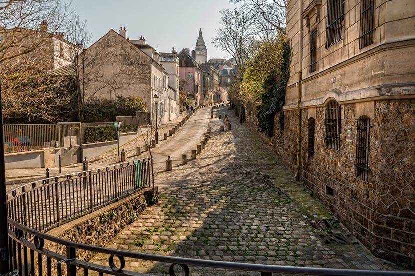 Stradina di Montmartre a Parigi