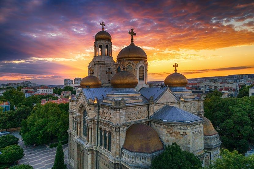 Cattedrale della Dormizione di Maria a Varna in Bulgaria