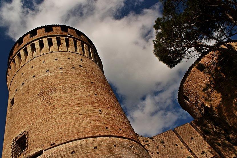 I due primi torrioni della Rocca Manfrediana di Brisighella