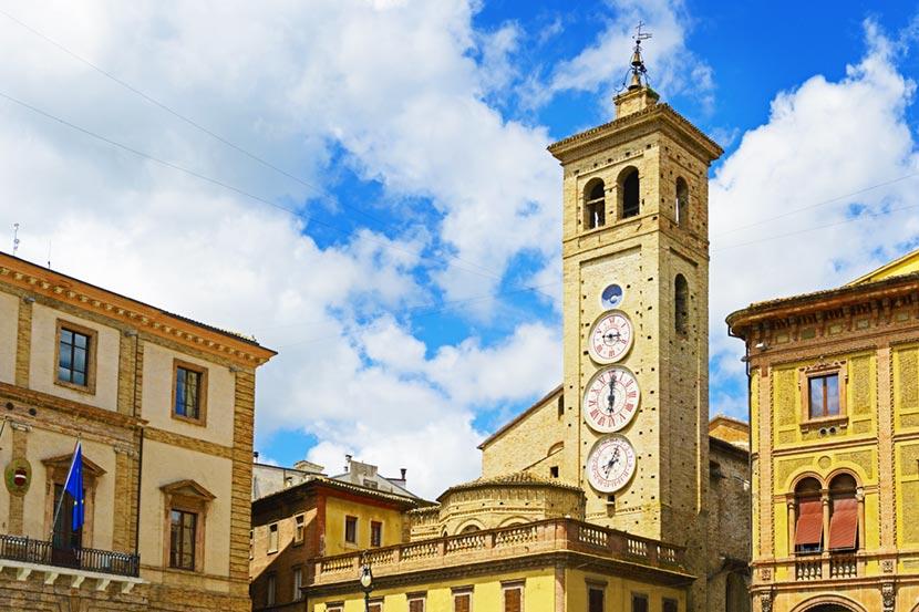 Torre degli Orologi a Tolentino