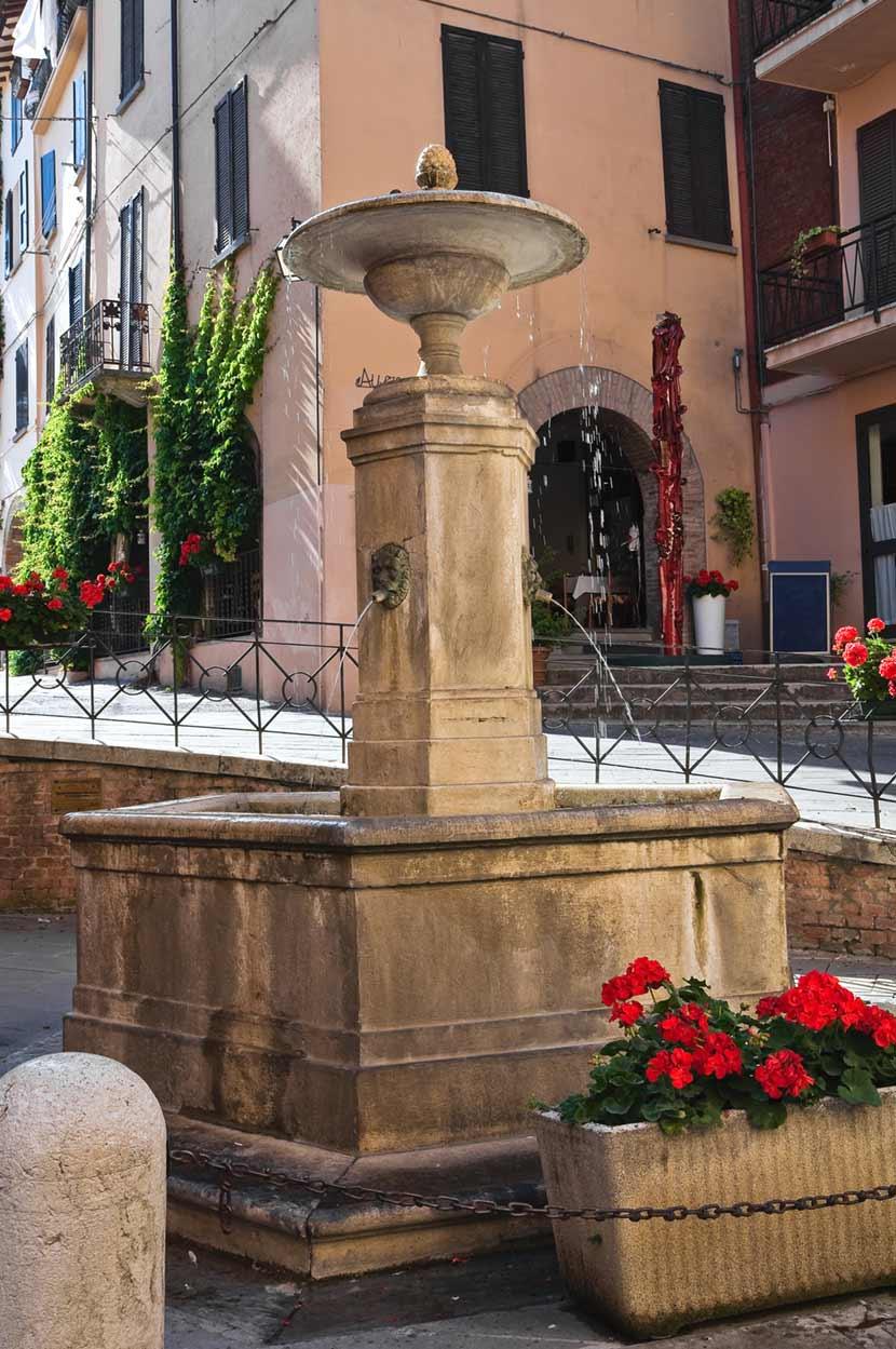 La fontana vecchia di Brisighella