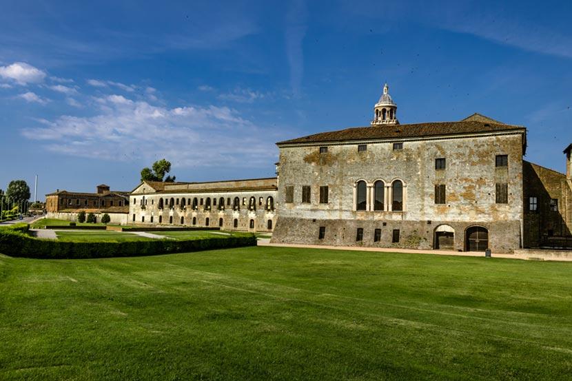 Corte Nuova a Palazzo Ducale a Mantova