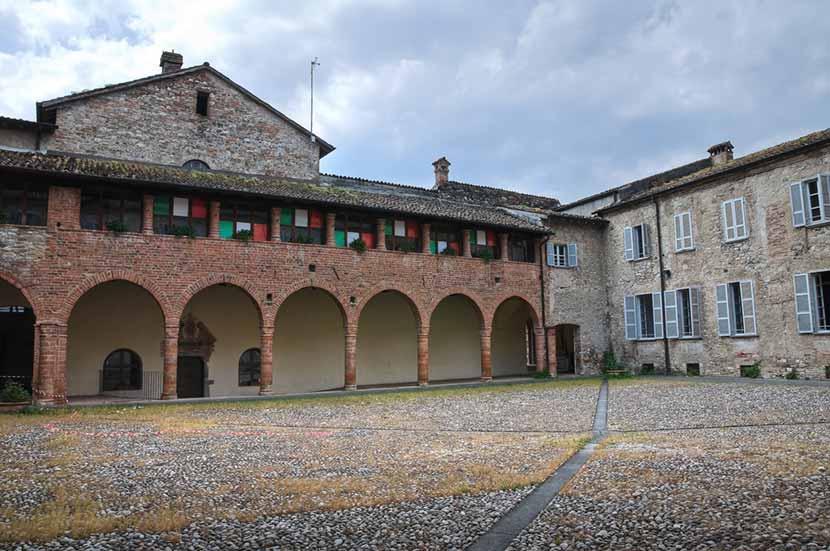Cortile interno dell'Abbazia di San Colombano a Bobbio