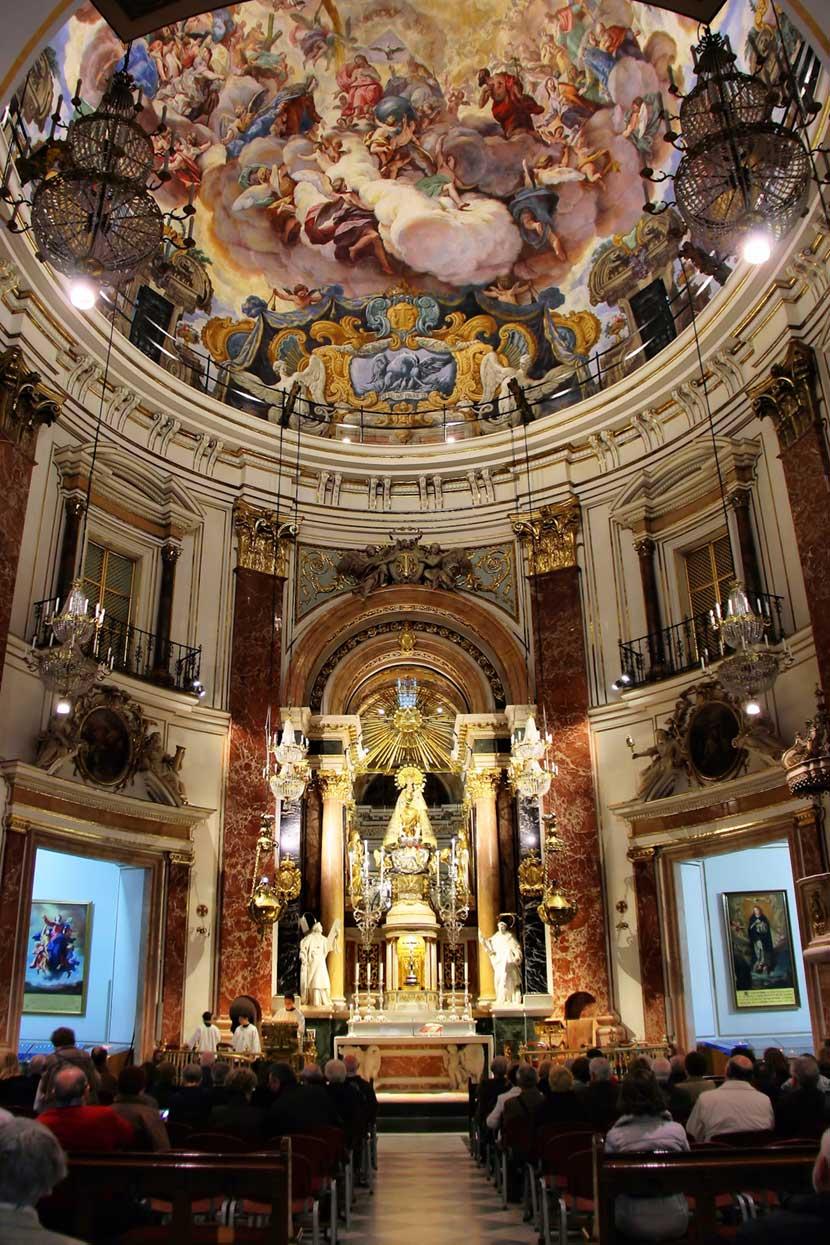 Interno della cupola della Basilica della Vergine a Valencia