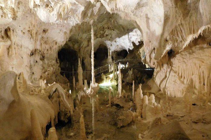Pergola e le Grotte di Frasassi