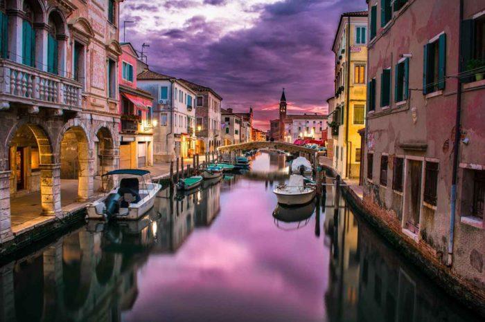 Venezia, la Basilica di notte e la Fenice